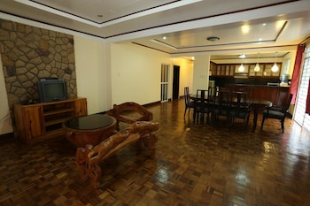 BAHAY HIGNAW INN BED & BREAKFAST Lobby Lounge