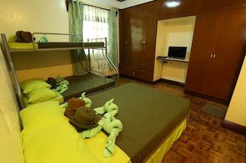 BAHAY HIGNAW INN BED & BREAKFAST Room
