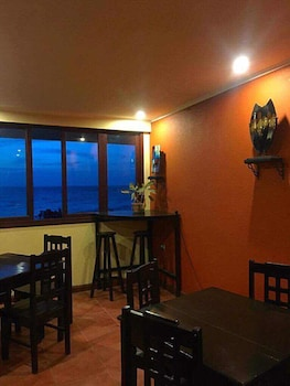 PUESTA DEL SOL BEACH BUNGALOWS Restaurant