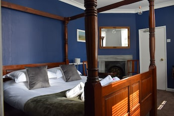 Luxury Double Room (Four Poster)