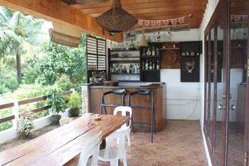 CARASUCHI VILLA Terrace/Patio