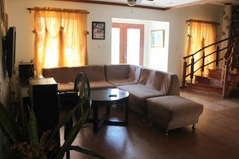 CARASUCHI VILLA Living Area