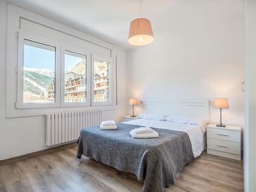 . Can Pep Apartments - Near Soldeu Ski Resort