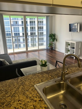 One Bedroom Apartment in Skyrise photo