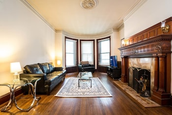 Stylish Brownstone Back Bay Apartments photo