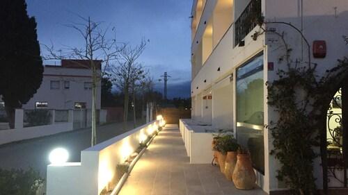 . Casa Del Mar Hotel