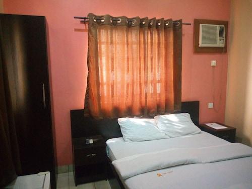 Peak Court Hotels, IbadanNorth