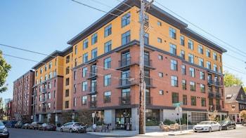 Portland Pettygrove 2BR Corporate Rentals