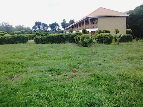 Royal Paradise Hotel, Bbaale