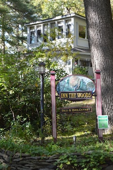 Hotel - Inn the Woods Bed and Breakfast