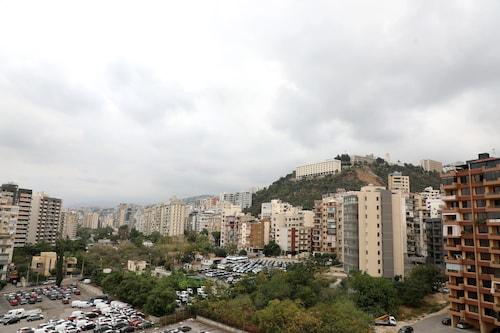 Vino Apartment, El Metn