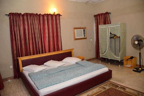 Queens way Resorts, IbadanSouth-West