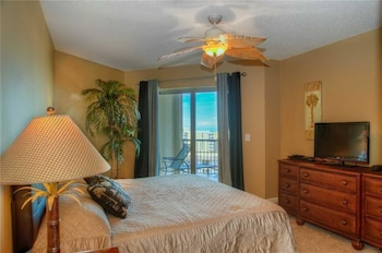 Guestroom at Royale Palms 1705 in Myrtle Beach