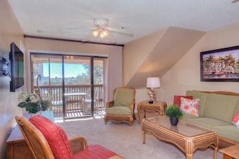 Living Area at Laurel Court 307 in Myrtle Beach