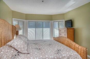Guestroom at Laurel Court 307 in Myrtle Beach