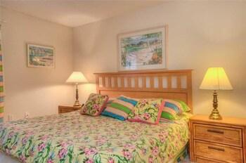 Guestroom at Laurel Court 204 in Myrtle Beach