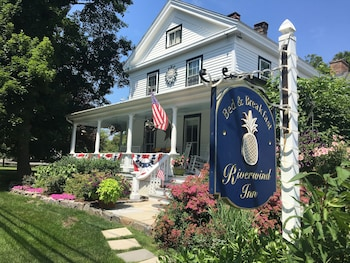 Hotel - Riverwind Inn Bed & Breakfast
