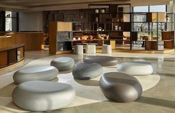 QUEST HOTEL TAGAYTAY Lobby Sitting Area