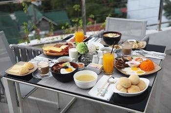CITY PARK HOTEL MANILA Breakfast Meal