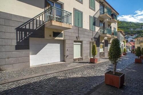 Apartment With 2 Bedrooms in Câmara de Lobos, With Wonderful sea View,, Câmara de Lobos