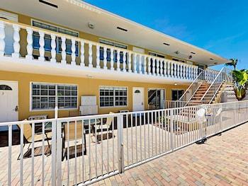3226 NE 12th Street Apartment Unit 5 1 Bedroom 1 Bathroom Apts