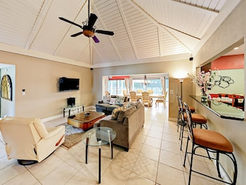 The Woodlands House 3 Bedrooms 2 Bathrooms Home