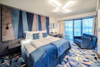 Riverside Superior room