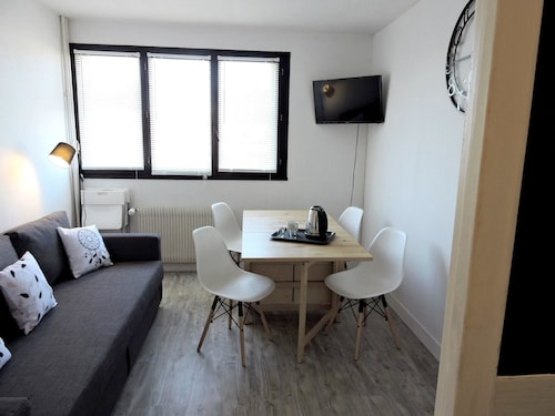 Apartment With one Bedroom in Orléans, Loiret