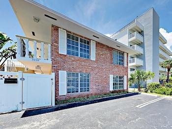 3226 NE 12th Street Apartment Unit 9 Studio Bedroom 1 Bathroom Apts