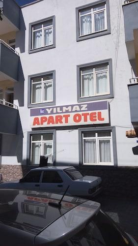Naz Yilmaz Apart Otel, Merkez