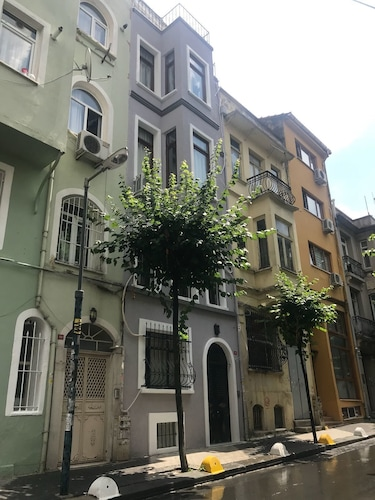 Taksim Aparts Roncalli, Şişli