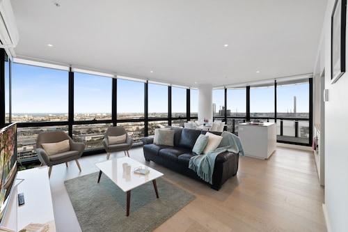 . Melbourne Lifestyle Apartments - Best Views on Collins