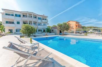 Apartments Ruzmarin
