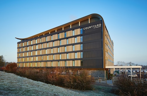 . Courtyard by Marriott Oxford South