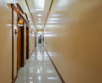 ZEN ROOMS WOODRIDGE MCKINLEY BGC Hallway