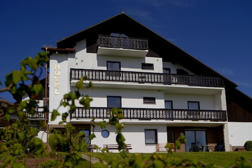 __{offers.Best_flights}__ Hotel & Ferienwohnungen Seeschlößchen
