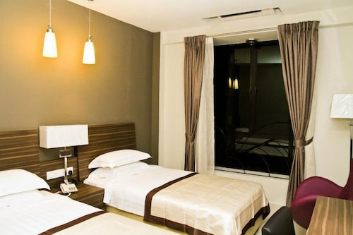 . In Trend Hotel