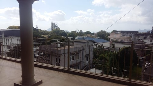 Apartment With 4 Bedrooms in Curepipe, With Furnished Balcony,