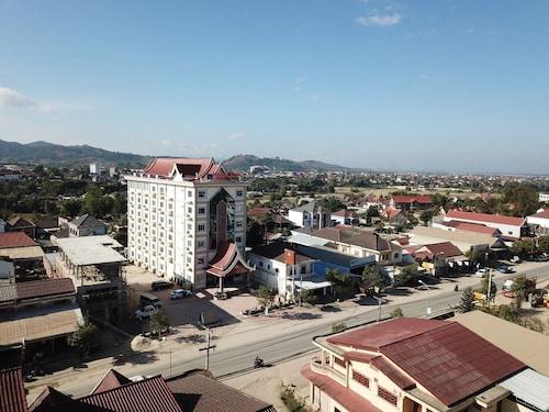 . Favanhmai Hotel