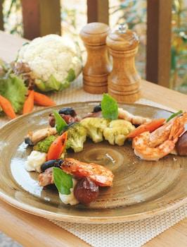 NORTH ZEN VILLAS Food and Drink