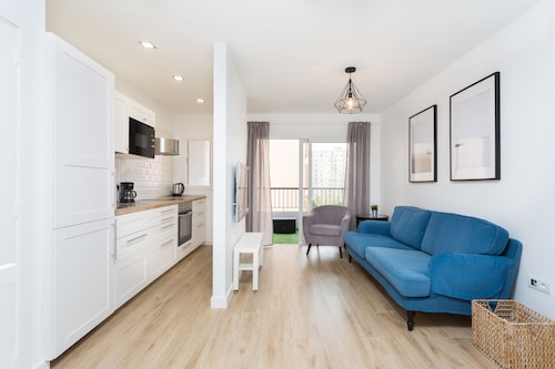 Santa Cruz de Tenerife - HomeLike Modern Center Apartment - z Katowic, 22 kwietnia 2021, 3 noce
