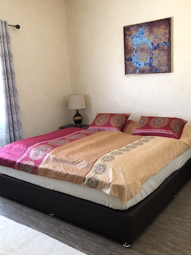 Roshan Resort, Marbat