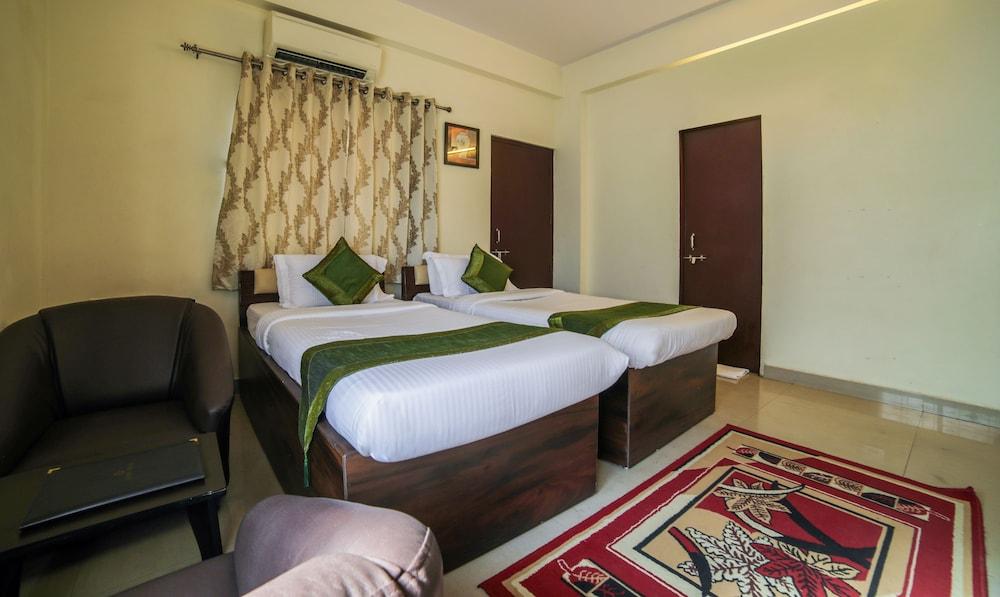 Hotel Treebo Trip Ivory House