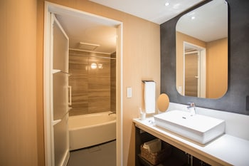 MIMARU TOKYO HATCHOBORI Bathroom Sink