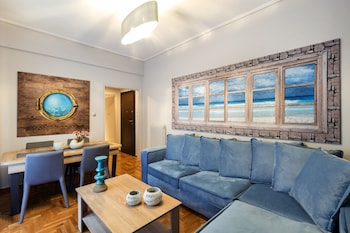 AFINESTAY AT ACROPOLIS