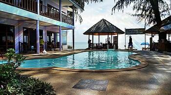 Siraya Beachfront Resort