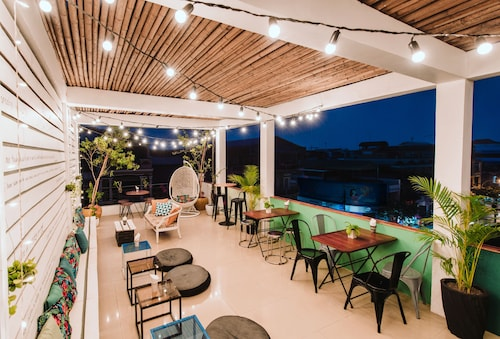 The Place Hostel & Rooftop Bar, Svay Pao