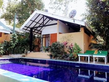 Randoni Villa