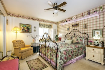 Hotel - Matthews Manor Bed and Breakfast