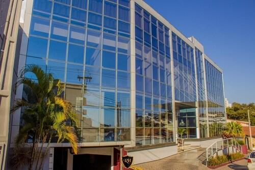 . Riellis Center Hotel